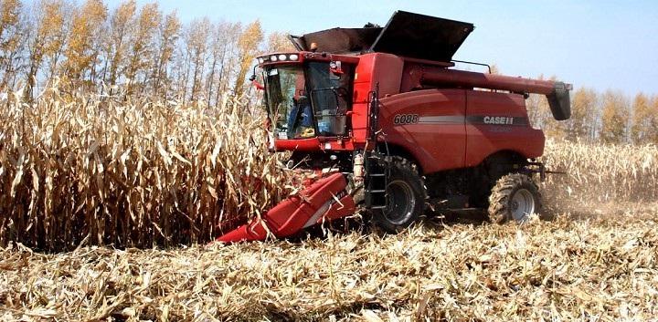 农机具_组织完成军区某部队农场现代化种植